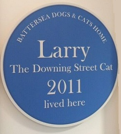 Battersea  Dogs and Cats Home erected a plaque outside Larry's former pen