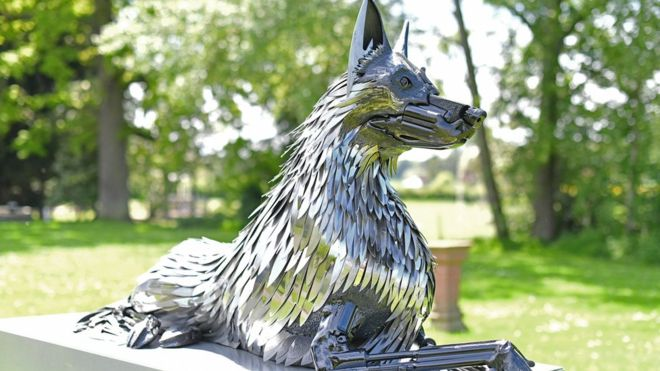 Statue dedicated to the Police Dogs of West Mercia by the British Iron Centre (Photo: British Ironwork Centre)